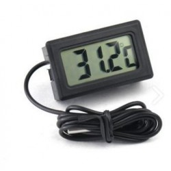Termómetro LCD con sonda externa de temperatura.